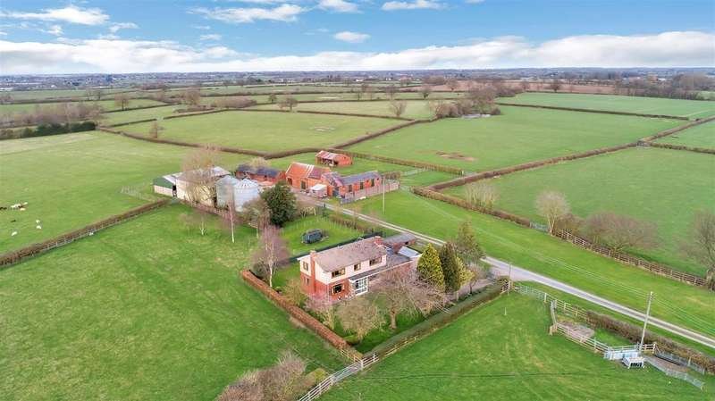 3 Bedrooms Farm House Character Property for sale in Lentons Lane, Aldermans Green, Coventry