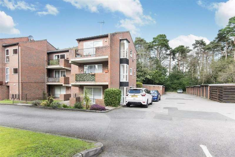 2 Bedrooms Apartment Flat for sale in Dukes Ride, Crowthorne, Berkshire, RG45 6SJ