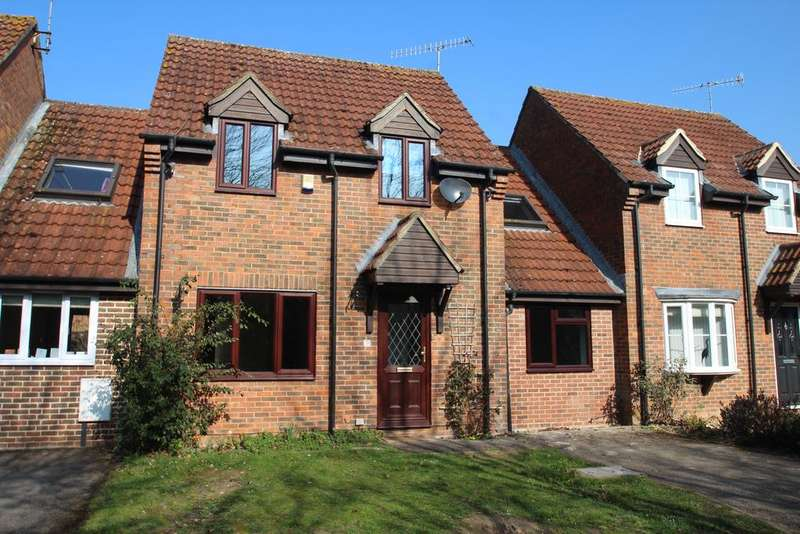 4 Bedrooms Link Detached House for sale in Wessex Close, Hungerford RG17