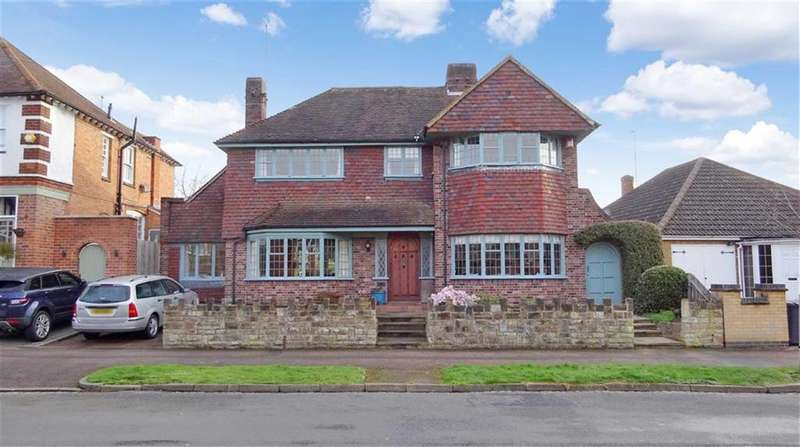 3 Bedrooms Detached House for sale in Letchworth Road, Western Park, Leicester