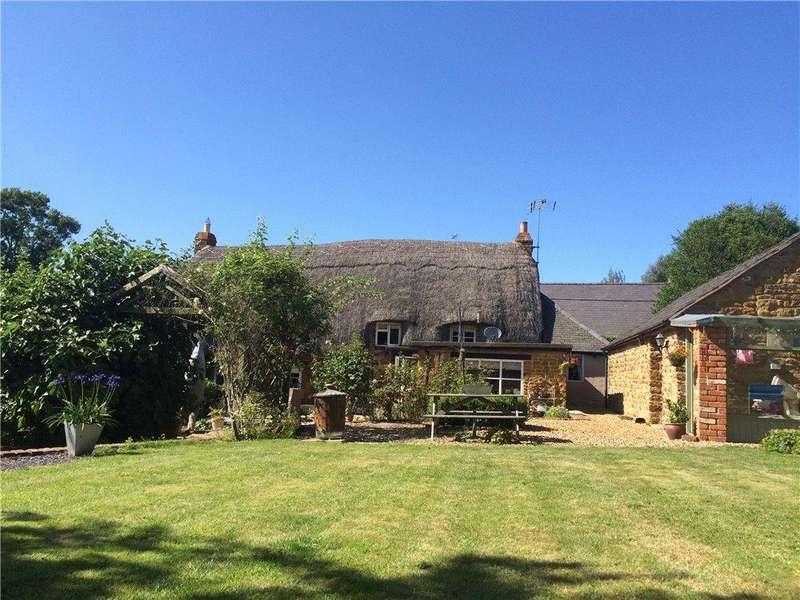 4 Bedrooms Detached House for sale in Frog Lane, Upper Boddington, Daventry, Northamptonshire, NN11