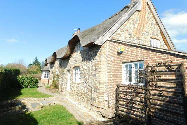 3 Bedrooms Cottage House for sale in Main Street, Newtown Linford, Leicester, LE6