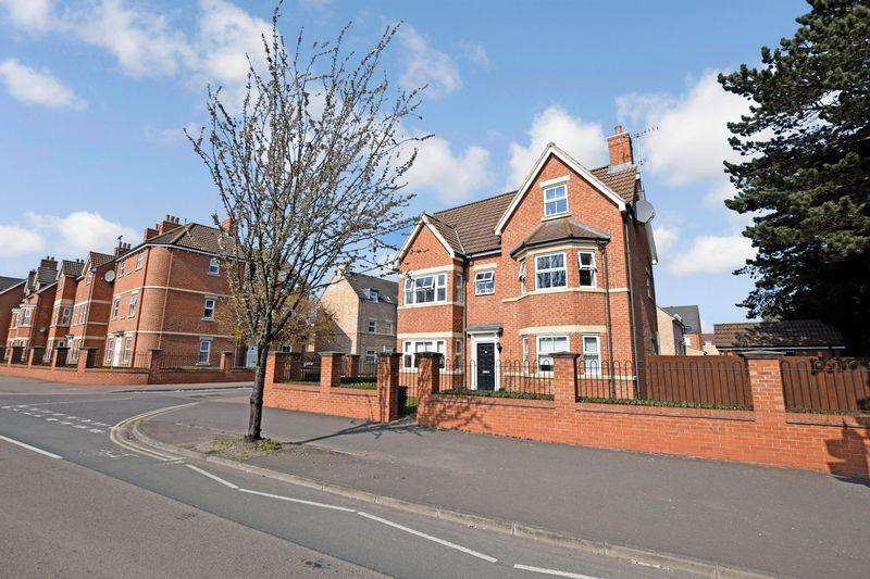 2 Bedrooms Apartment Flat for sale in Appledore Road, Bedford