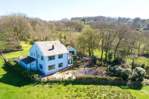 6 Bedrooms Detached House for sale in Cellan, Nr Lampeter