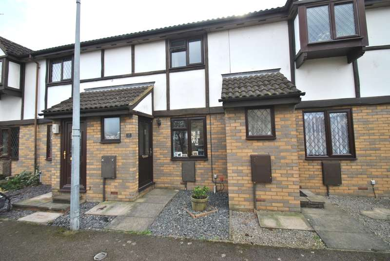 2 Bedrooms Terraced House for sale in Astral Close, Henlow, SG16