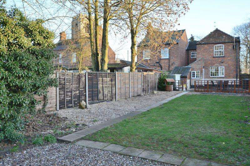 3 Bedrooms Semi Detached House for sale in 27 High Street, Coningsby