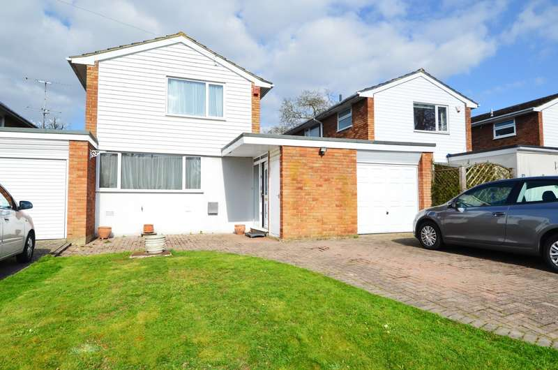3 Bedrooms Link Detached House for sale in Wooburn Manor Park, Wooburn Green, HP10