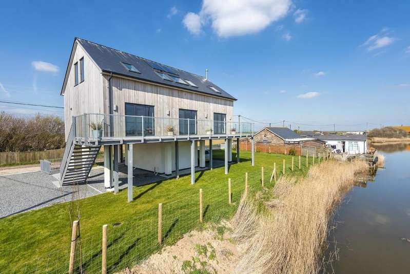 4 Bedrooms Detached House for sale in Wall Farm Lane, Jury's Gap, Camber, East Sussex TN31 7SE