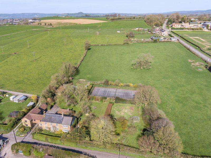 6 Bedrooms Country House Character Property for sale in Wonderful family home with land near Castle Cary, Somerset