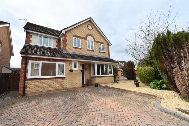 4 Bedrooms Detached House for sale in Clarendon Close, Chepstow