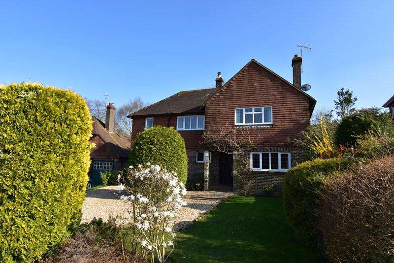4 Bedrooms Detached House for sale in The Park, Crowborough