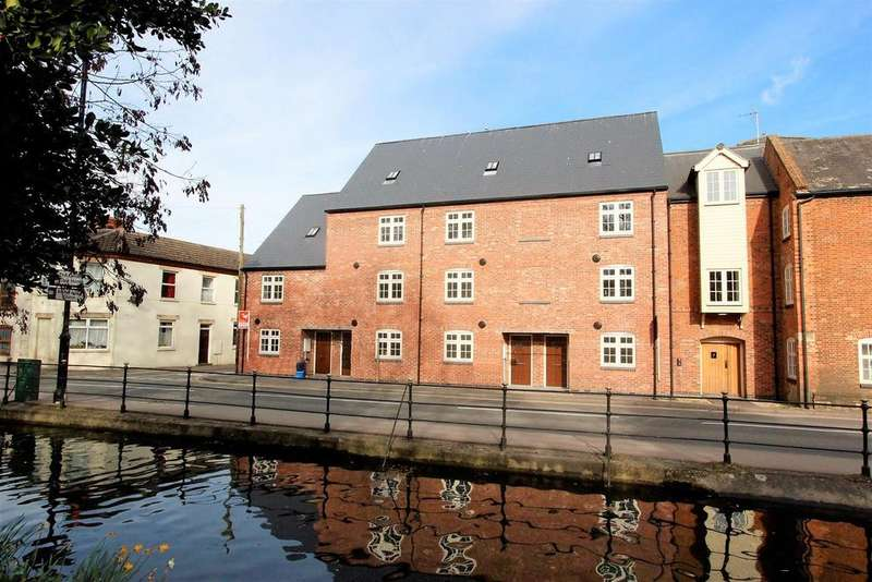 1 Bedroom Coach House Flat for sale in South Street, Bourne
