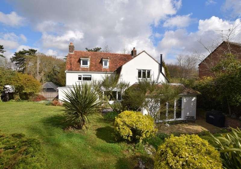 5 Bedrooms Detached House for sale in Manningtree, Essex, CO11 2JL
