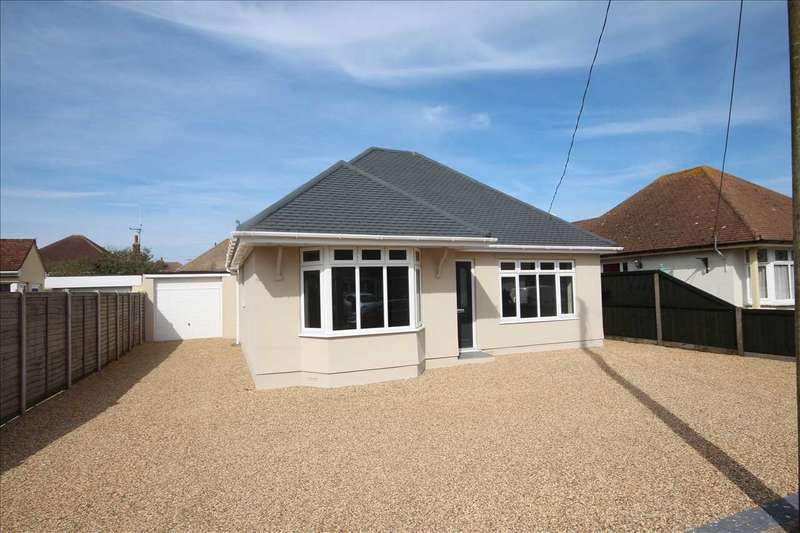 3 Bedrooms Bungalow for sale in Beatrice Road, Walton-on-the-Naze