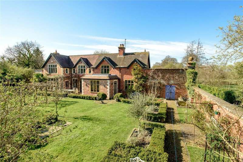 5 Bedrooms Detached House for sale in Motcombe Park, Motcombe, Shaftesbury, SP7