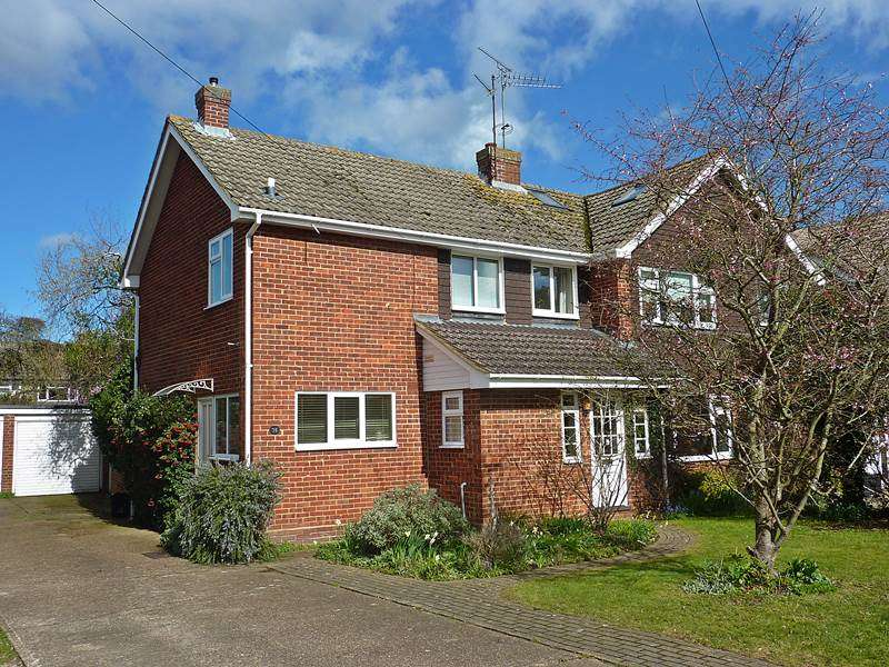 3 Bedrooms Semi Detached House for sale in TWYFORD