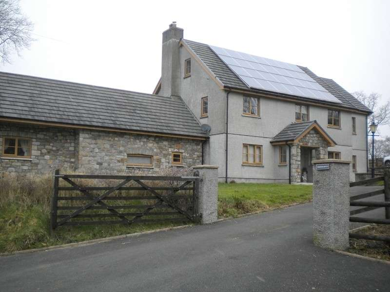 5 Bedrooms Smallholding Commercial for sale in Groeslwyd Argoed Road, Ammanford, Carmarthenshire. SA18 2PR