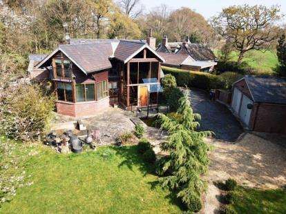 3 Bedrooms Detached House for sale in Hall Lane, Mobberley, Knutsford, Cheshire