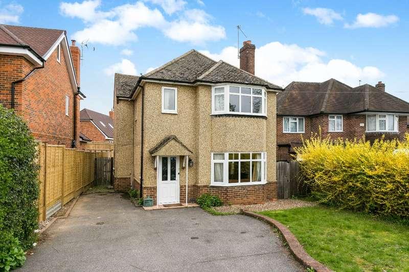 4 Bedrooms Detached House for sale in Birdwood Road, nr Newlands School, Maidenhead, Berks