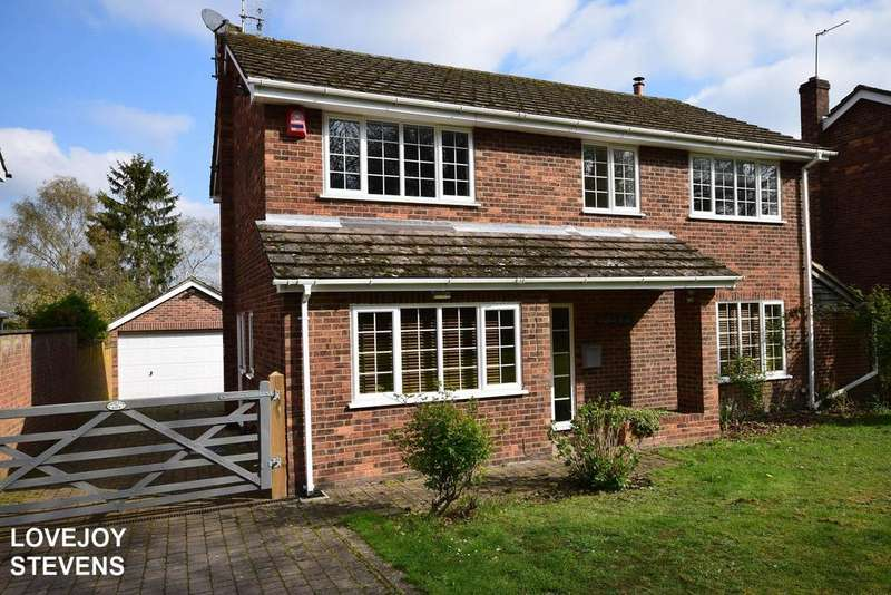 4 Bedrooms Detached House for sale in Ashford Hill Road, Headley RG19 8AA