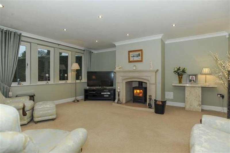 5 Bedrooms Detached House for sale in The Orchards, Bingley, West Yorkshire, BD16