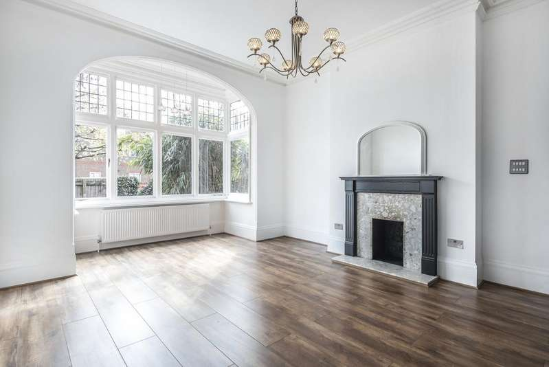 2 Bedrooms Flat for sale in Conyers Road London SW16