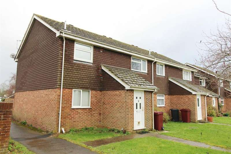 2 Bedrooms Maisonette Flat for sale in Emmer Green Court, Caversham, Reading