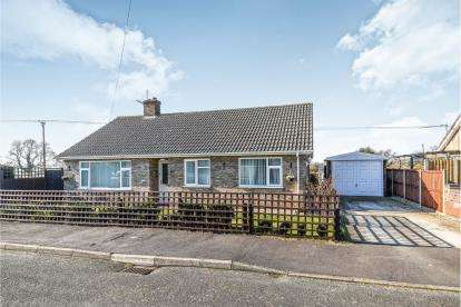 3 Bedrooms Bungalow for sale in Hilgay, Downham Market, Norfolk