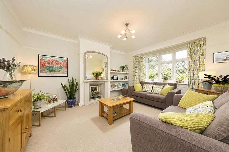 4 Bedrooms Semi Detached House for sale in Twickenham Road, Teddington, TW11