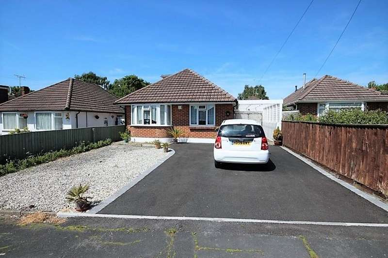 3 Bedrooms Detached Bungalow for sale in Astbury Avenue, Wallisdown, Poole