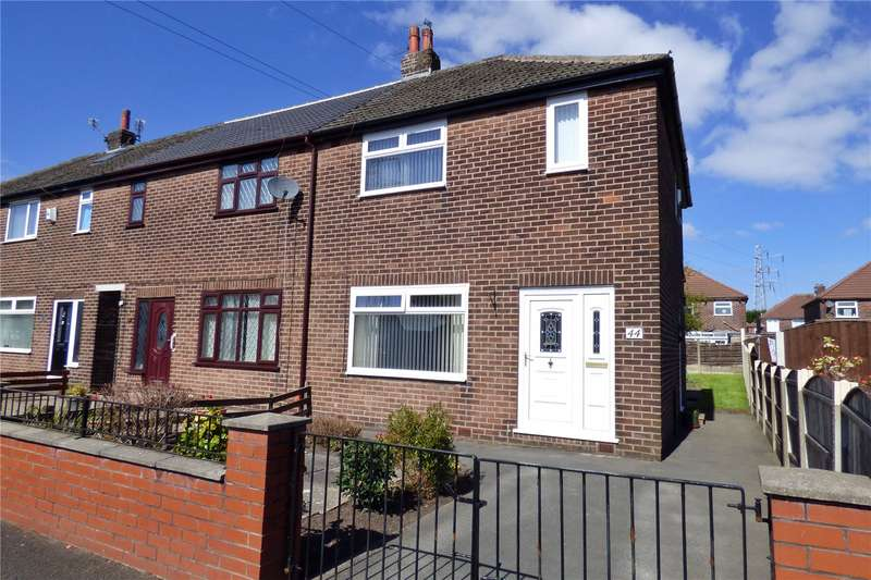 3 Bedrooms Semi Detached House for sale in Kirby Avenue, Chadderton, Oldham, OL9