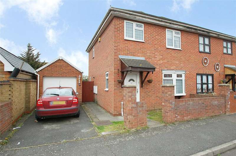 3 Bedrooms Semi Detached House for sale in Burdetts Road, Dagenham, RM9