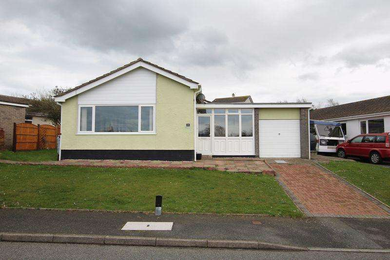 3 Bedrooms Detached Bungalow for sale in Cemaes Bay, Anglesey
