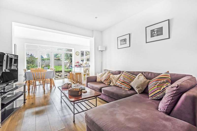 4 Bedrooms Detached House for sale in Upwood Road, Lee