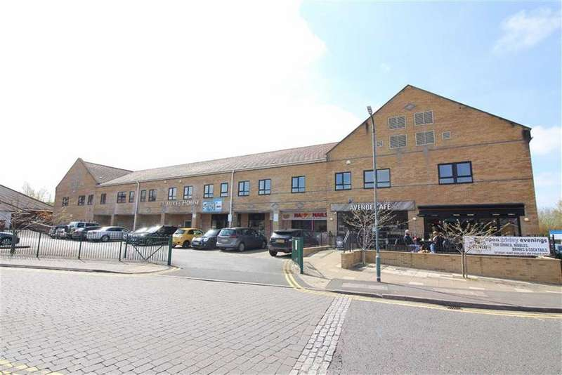 2 Bedrooms Flat for sale in St Lukes House, Emersons Green, Bristol
