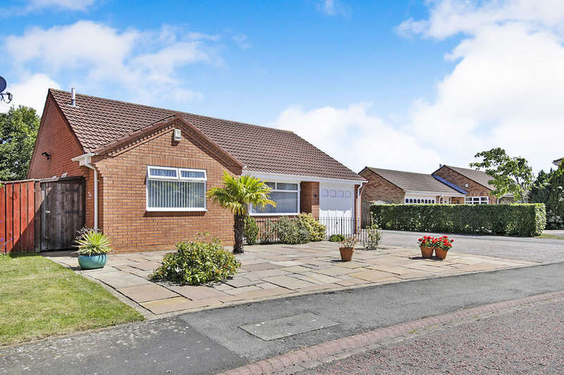 2 Bedrooms Detached Bungalow for sale in Brignall Close, Great Lumley, Chester Le Street, DH3