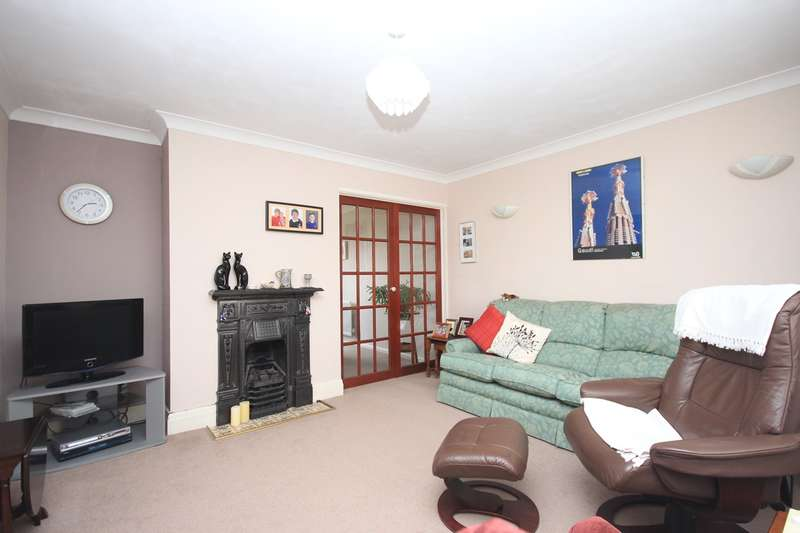3 Bedrooms Semi Detached House for sale in Chapel Road, Flitwick, MK45
