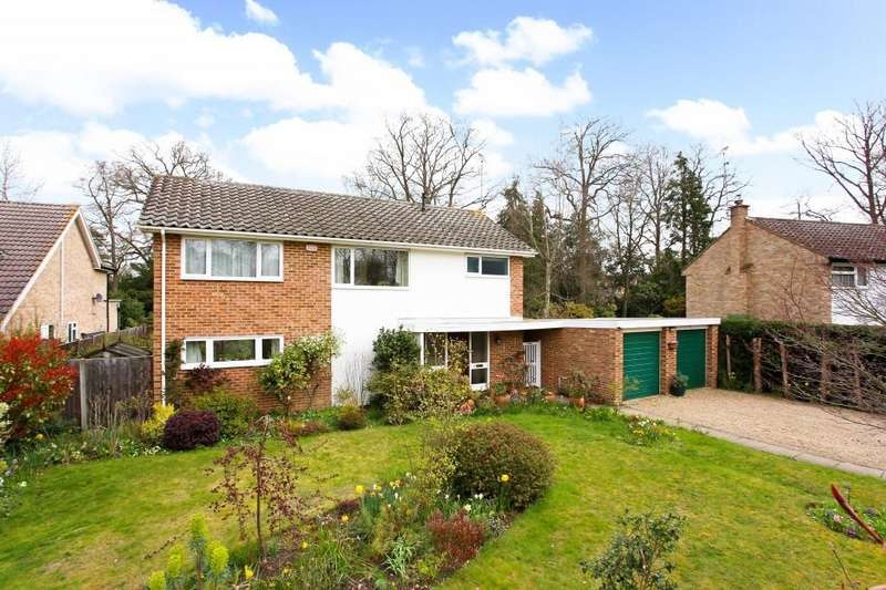 4 Bedrooms Detached House for sale in Oaklands Drive, Ascot