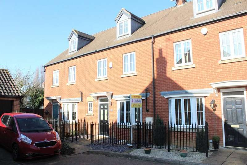 4 Bedrooms Terraced House for sale in Banks Drive, Sandy, SG19