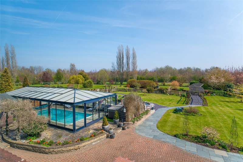 4 Bedrooms Detached House for sale in Beauchamp Roding, Ongar, Essex, CM5