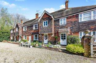 3 Bedrooms Terraced House for sale in Keepers Croft, Church Hill, Harbledown, Canterbury