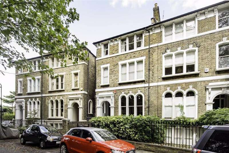 5 Bedrooms Semi Detached House for sale in Cassland Road, Hackney, London