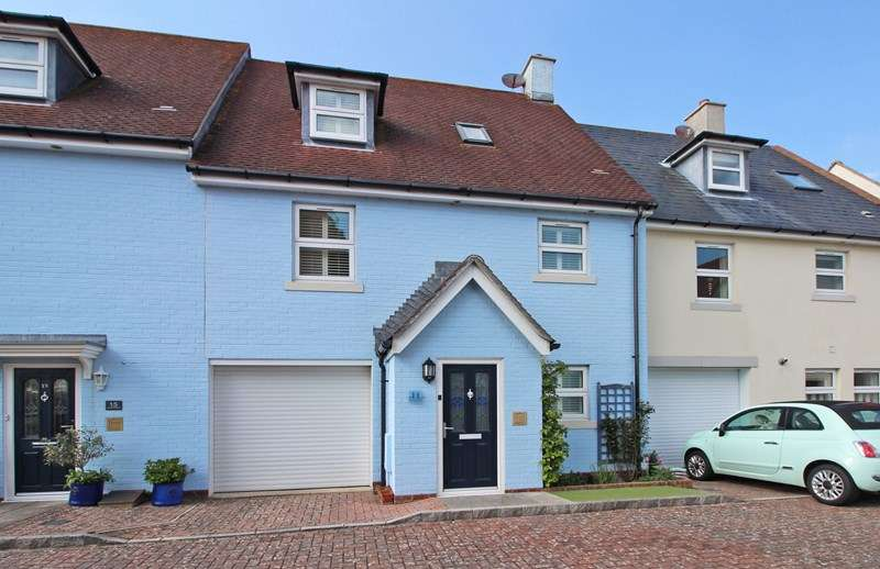 3 Bedrooms Property for sale in Haven Close, Mudeford, Christchurch