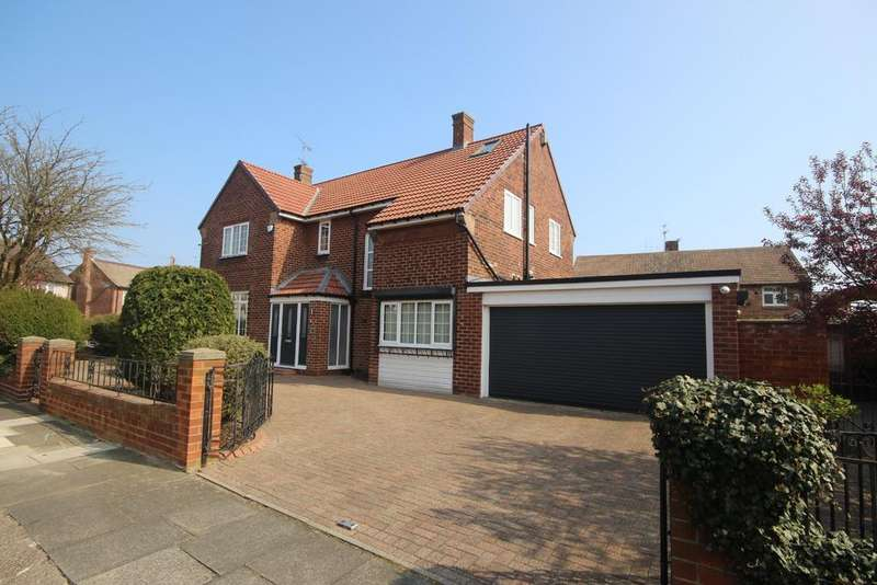 4 Bedrooms Detached House for sale in Shaftesbury Avenue, Whitley Bay, NE26