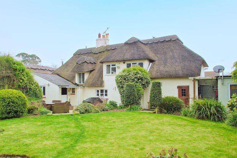 4 Bedrooms Detached House for sale in North Bersted Street, Bognor Regis, PO22
