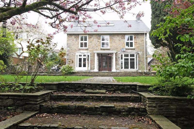 4 Bedrooms Detached House for sale in Cemetery Road, Trecynon, Aberdare, Mid Glamorgan
