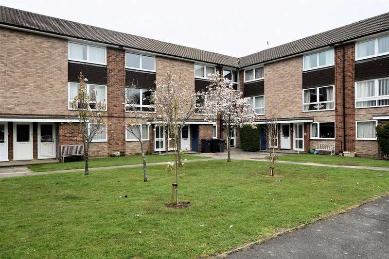 2 Bedrooms Apartment Flat for sale in Inglewood Court, Liebenrood Road, Reading