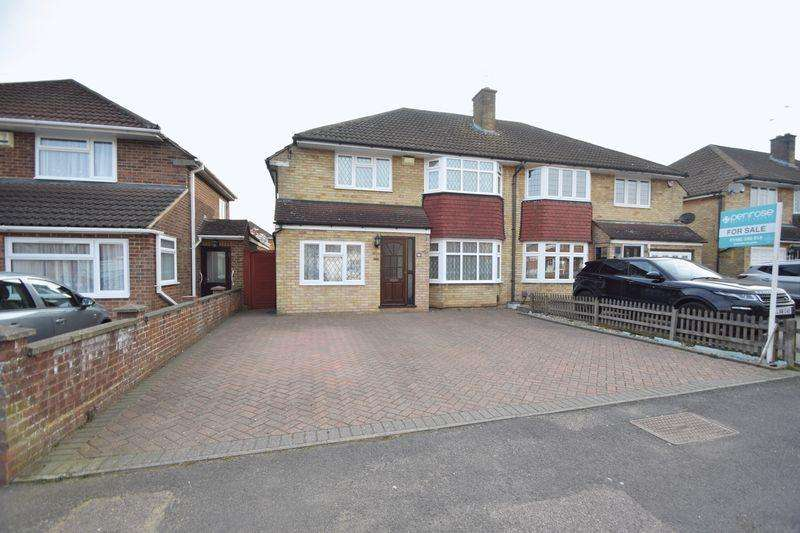 4 Bedrooms Semi Detached House for sale in Mountgrace Road, Luton