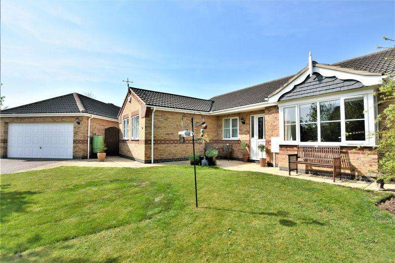 4 Bedrooms Bungalow for sale in Lady Meers Road, Lincoln