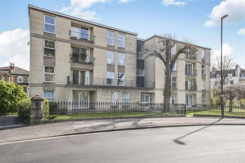 2 Bedrooms Flat for sale in Merchants Road, Clifton